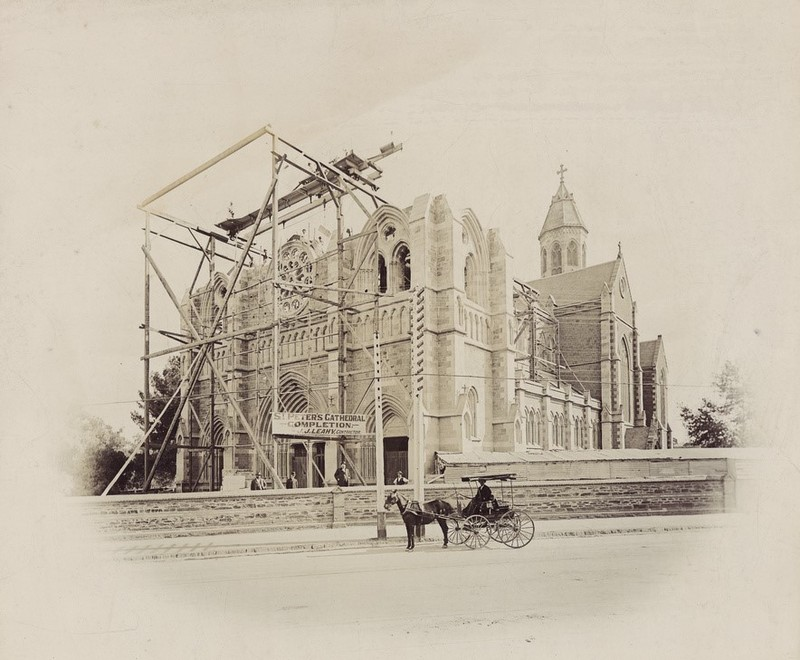 Construction work on St Peter's Cathedral, 1901