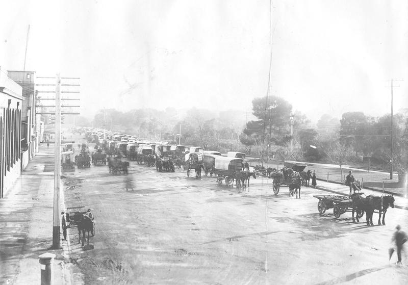 Market day on East Terrace, 1923