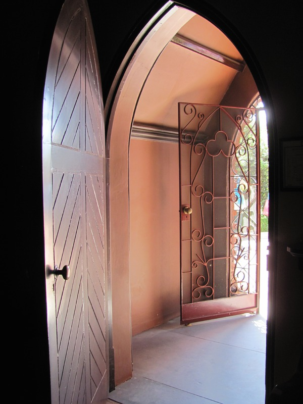 The Franklin Street Chapel entrance