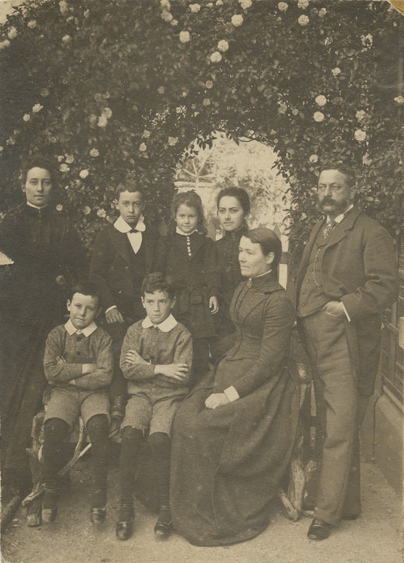 Harry, Ada and six of their children, c1870s