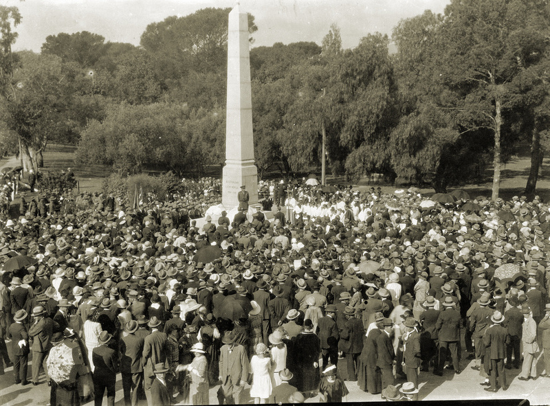 Unveiling ceremony, 5 April 1925